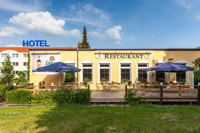 aussenansicht-hotel-restaurant-pommernland
