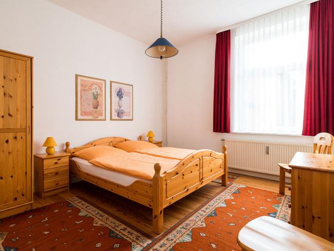 Erdgeschoss - Schlafzimmer 1
