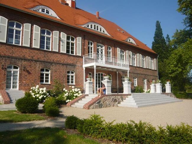 Terrasse - Schloss Pütnitz