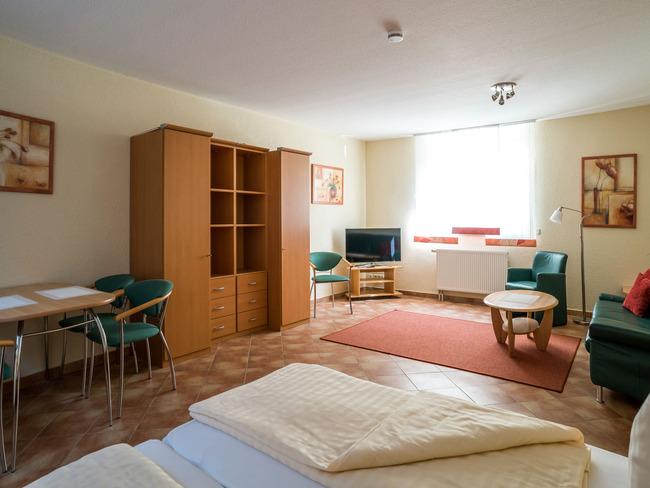 Souterrain - Wohn-Schlafzimmer