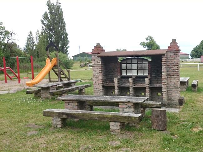 Spiel- und Grillplatz