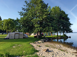 Zelte am See