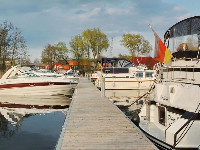 Yachthafen - Steg