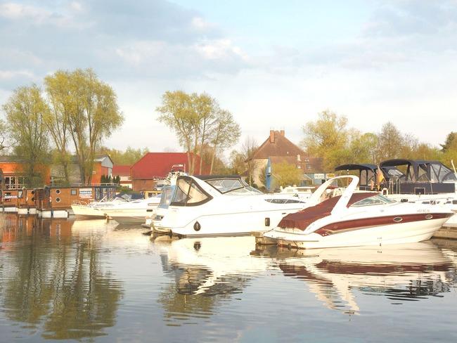 Yachthafen - Boote
