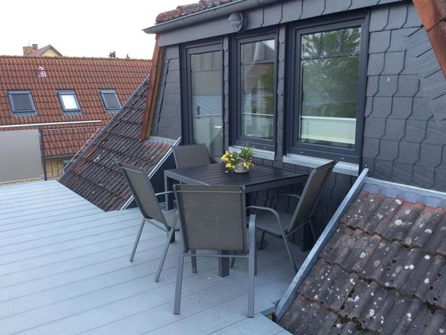 Unterm Dach juchhe - Terrasse