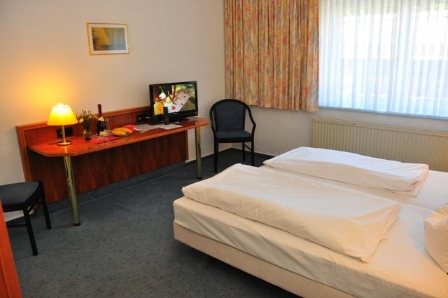 Doppelzimmer mit Fernseher
