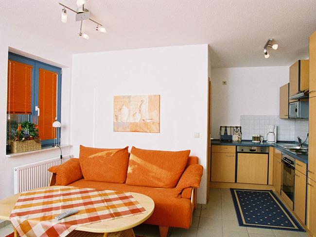 Ferienwohnung Backbord - Wohnzimmer mit Küche