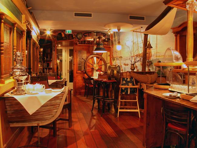 Restaurant Deck Tresen