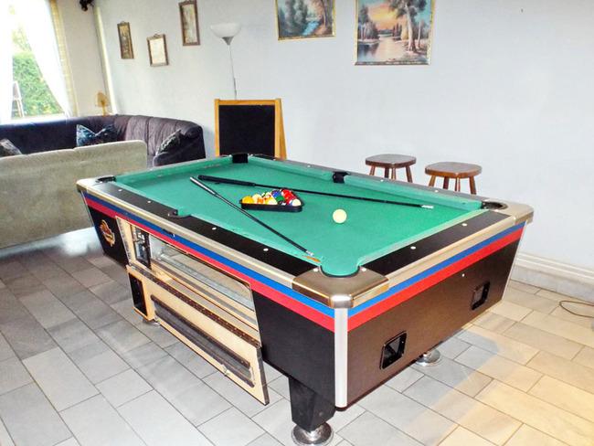 Hostel - Billardtisch