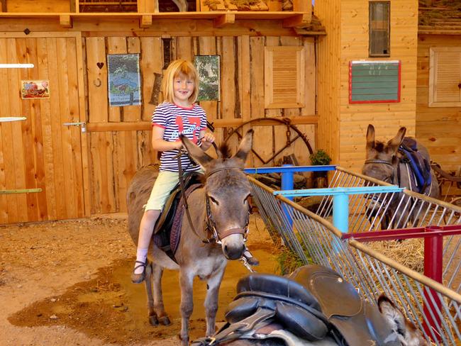 Kind auf Esel
