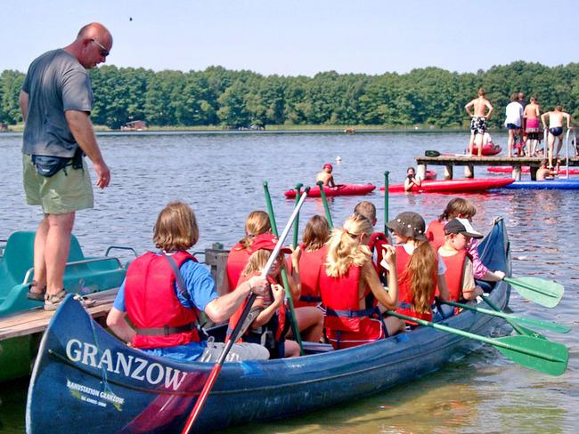 Gruppe im Kanu