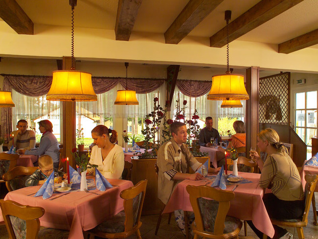 Restaurant - Gäste im Ferienpark Retgendorf