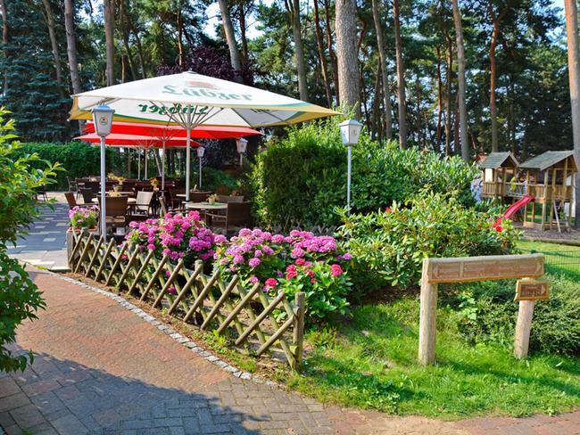 Terrasse und Spielplatz im Ferienpark Retgendorf