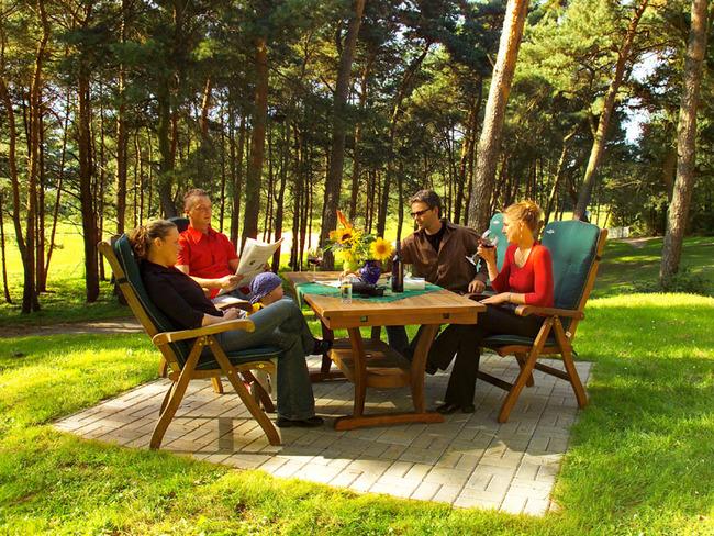 Terrasse - Urlauber beim Familienurlaub im Ferienpark Retgendorf