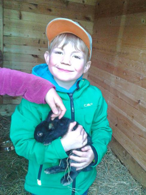 Stall - Kinder - Streichelzoo im Ferienpark Retgendorf