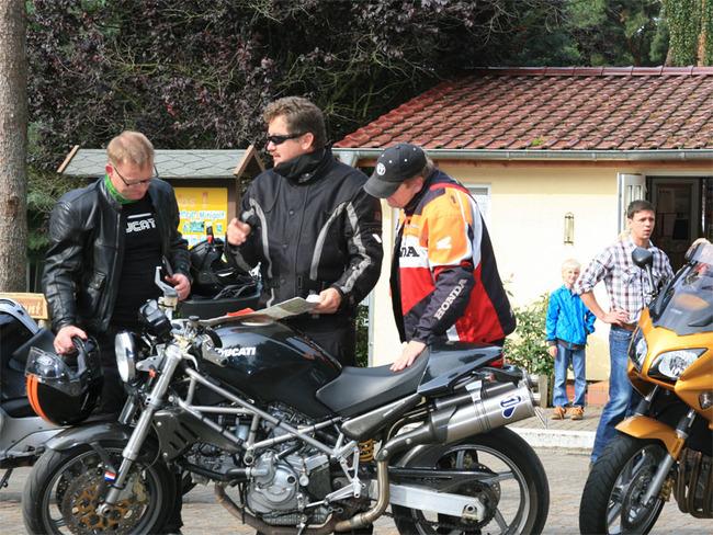 Bikergruppe im Ferienpark Retgendorf