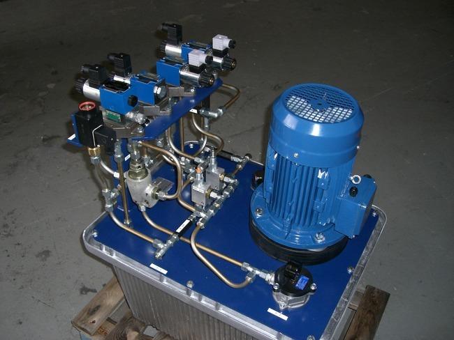 Hydraulikaggregat für Gewindewalzmaschine