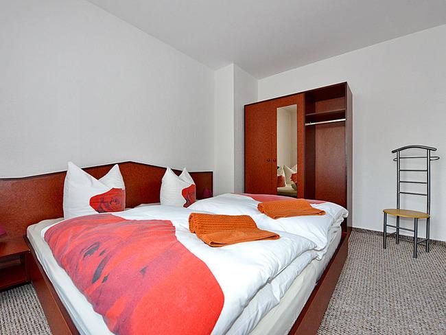 Doppelzimmer mit Schrank