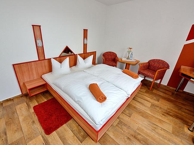 Doppelzimmer mit Sessel