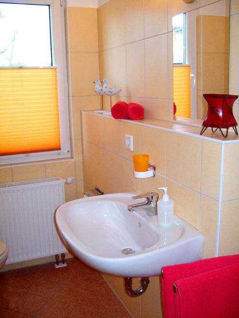 gepflegtes Badezimmer