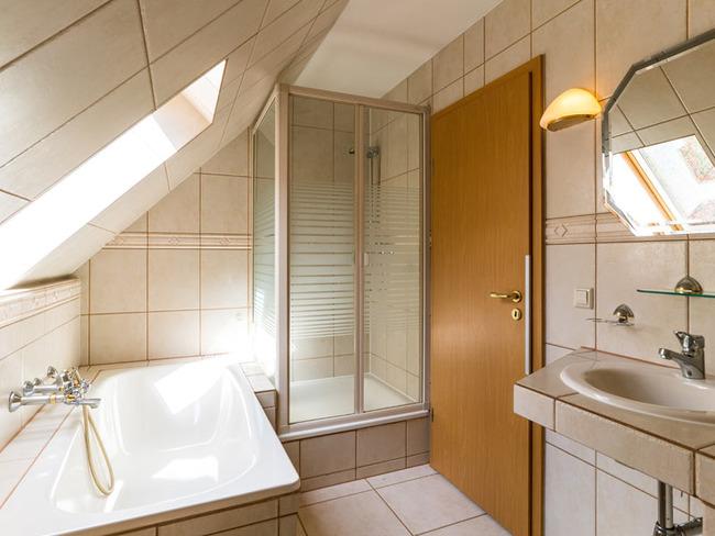 Ferienwohnung -Bad, Wanne, Dusche