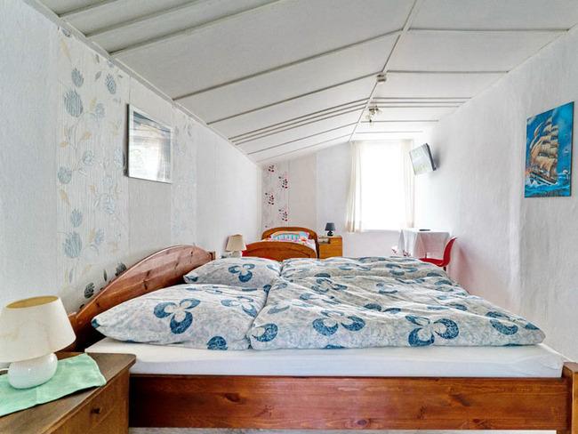 Ferienwohnung - Schlafzimmer, Teichblick