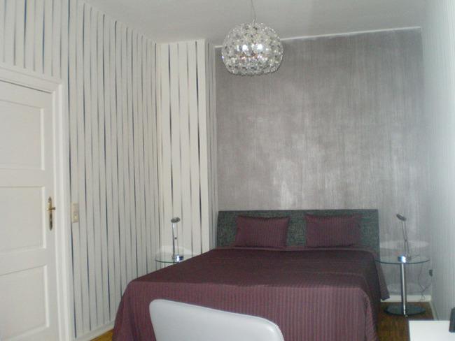 Fewo Weisin Schlafzimmer mit Doppelbett und Kleiderschrank