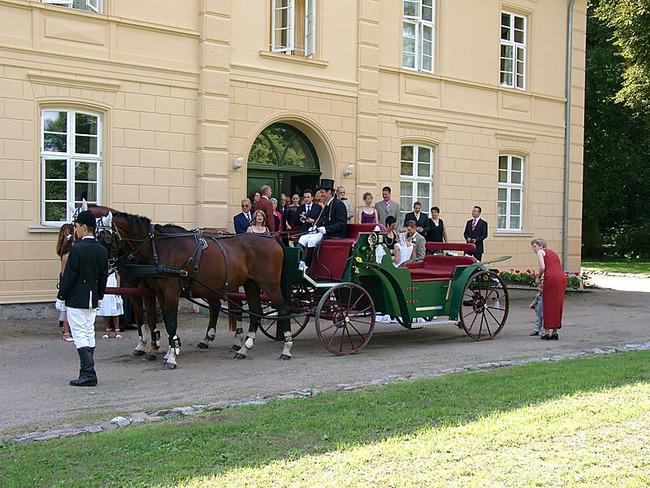 Kutsche vor dem Schloss
