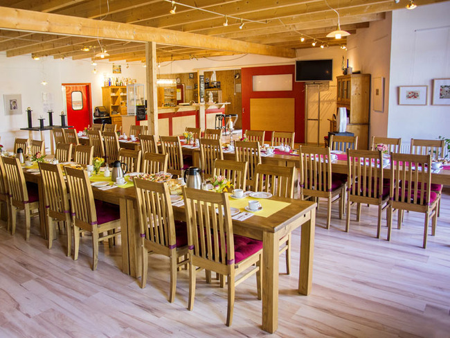 Saal mit Platz für bis zu 60 Personen in der Gaststätte