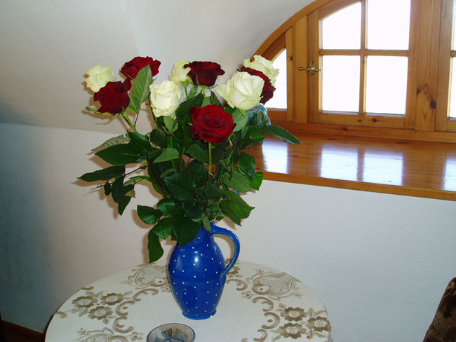 Rosenstrauß im Wohnraum