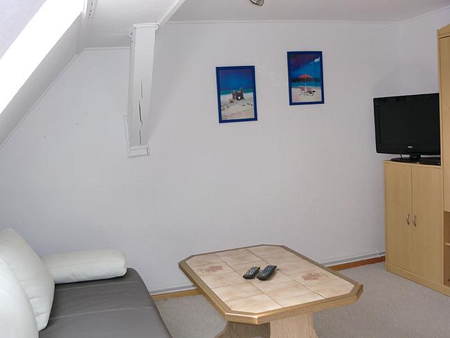 Fewo Wohnzimmer mit Couch