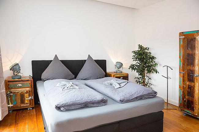 App Seepromenade Schlafzimmer mit Doppelbett