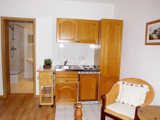 App. 15m² - 1-Zimmer Wohnraum mit kleiner Küche