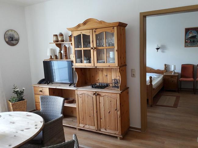 App. 34m² - Wohnraum mit Blick ins Schlafzimmer