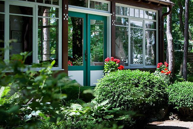 Strandvilla Garten mit Rosen
