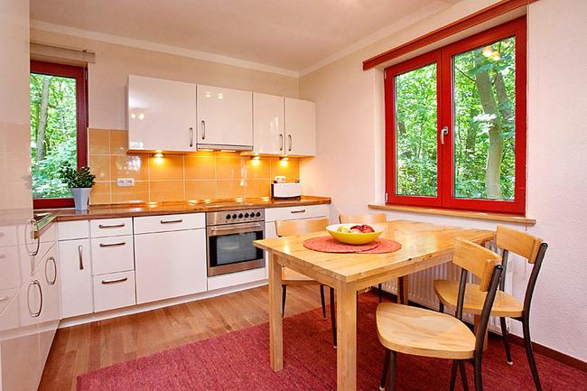 Fewo Ahorn - Küche mit Esstisch
