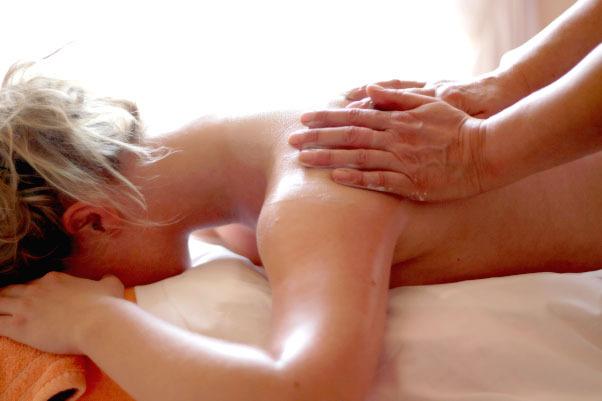 wohltuende Rückenmassage