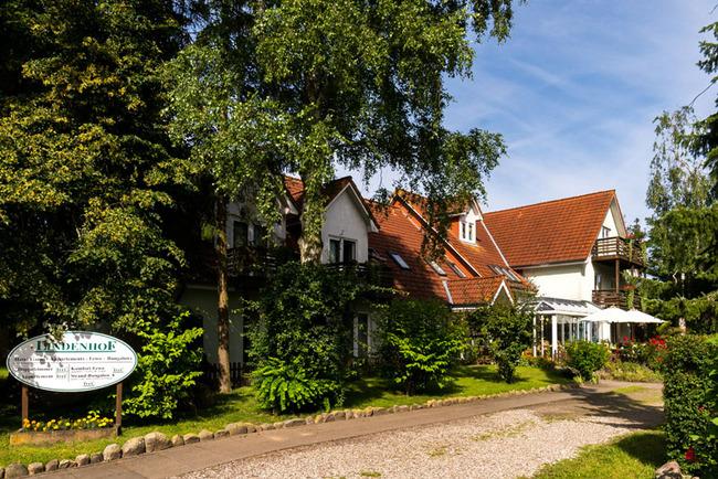 Zufahrt zum Lindenhof