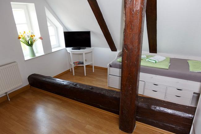 Einzelbett im Familienzimmer
