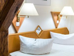 Zimmeransicht mit Doppelbett