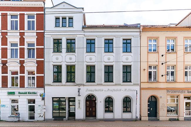 Hotelvorderansicht von der Goetherstraße