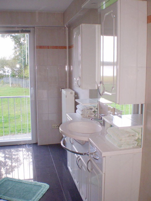 Ferienwohnung - Bad mit Waschplatz