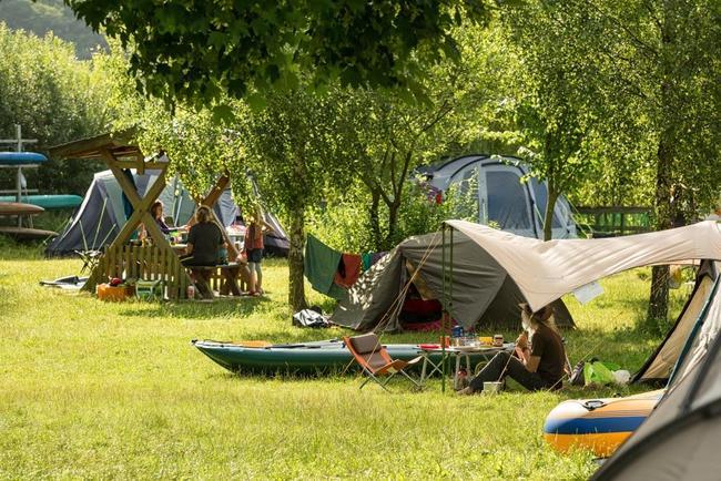 unparzelierte, KFZ-freie Zeltwiesen