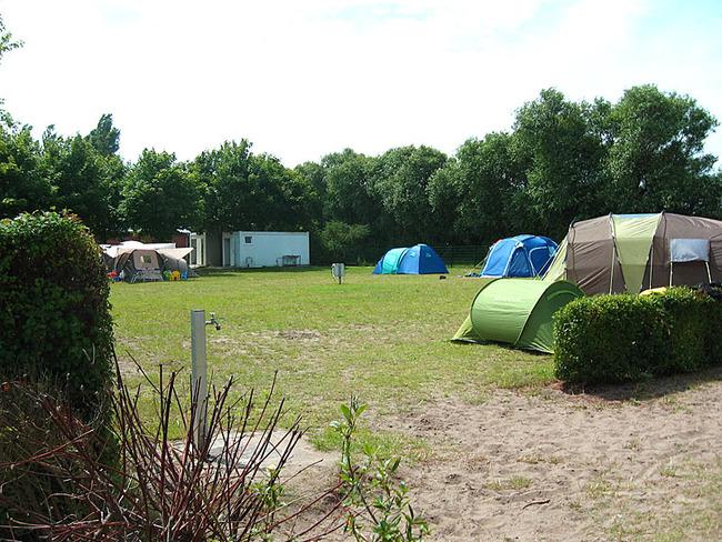 Stellplätze für Zelte mit Wasserstelle