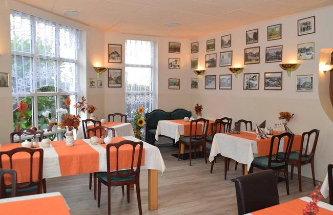 Restaurant mit Platz für bis zu 25 Gäste