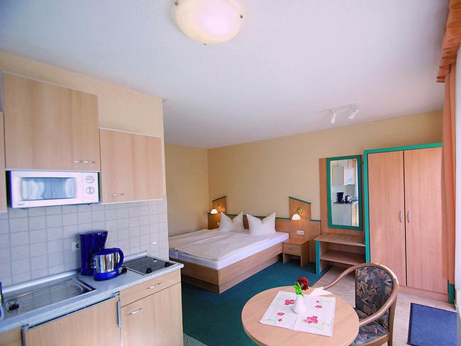 Appartement mit Wohn-/Schlafraum und Miniküche