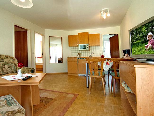 Ferienhaus für 4 Personen, ca. 45 qm mit Wohnraum und Kleinküche