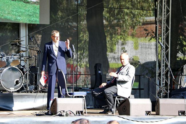 Herricht & Preil Double - Szene auf großer Bühne