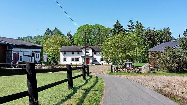 Bauernhof - Ansicht von der Straße