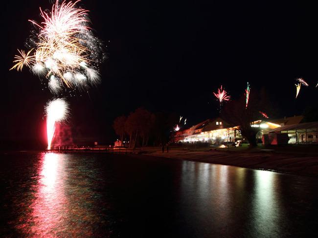 Silvesterfeuerwerk am Mirower See